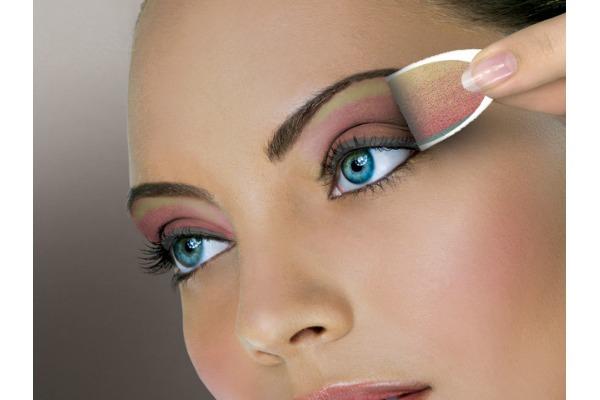 Senke za oči u vidu nalepnice