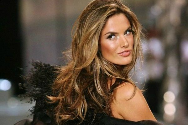 Za glamuroznu jesen - bujne boje kose koje se prelivaju