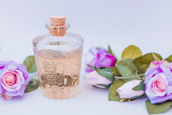 Za romantično veče: eterična ulja sa efektom afrodizijaka