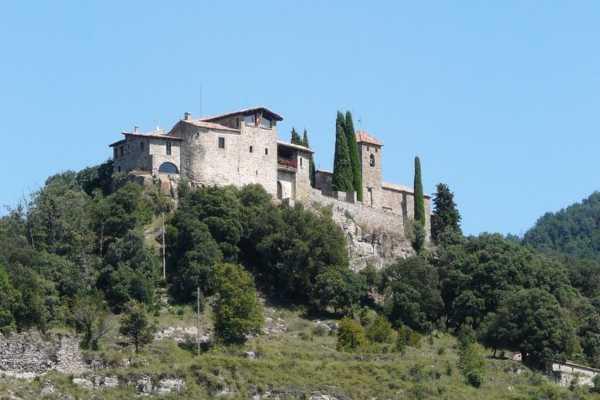 Iznajmite srednjovekovni dvorac na Airbnbu