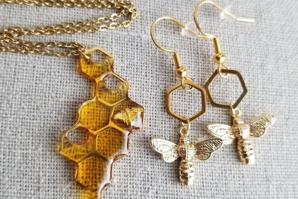 Ručno izrađen nakit inspirisan medom