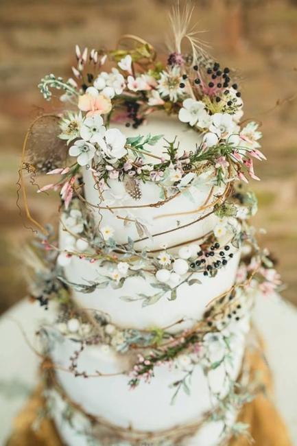 Očaravajuće svadbene torte inspirisane začaranom šumom