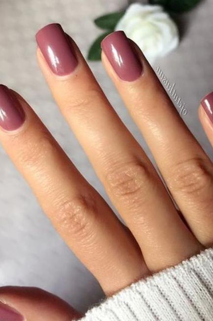 Mauve boja – apsolutni hit na noktima ovog proleća