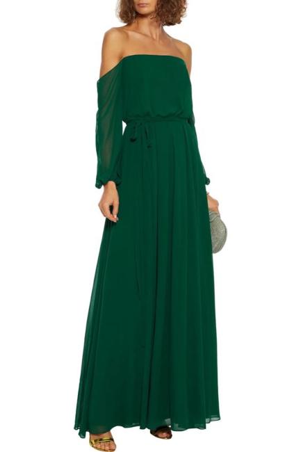 Vrhunski autfit uz haljine bez ramena sa kaiševima