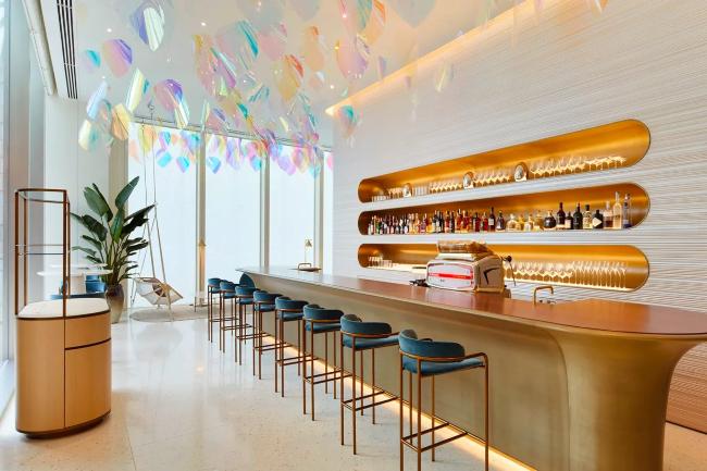 Prvi na svetu Louis Vuitton restoran i kafe