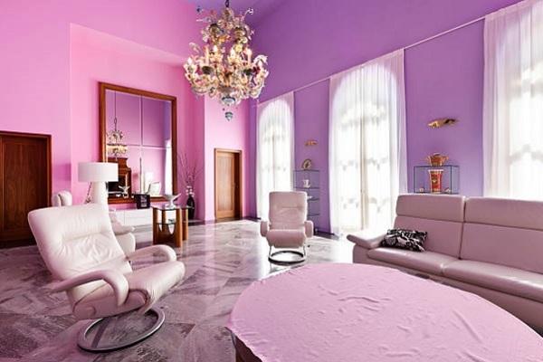 Ljubičasta boja kao idealan izbor za dekoraciju dnevne sobe