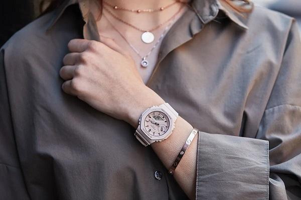 Minimalizam na ruci: satovi koji šokiraju jednostavnošću