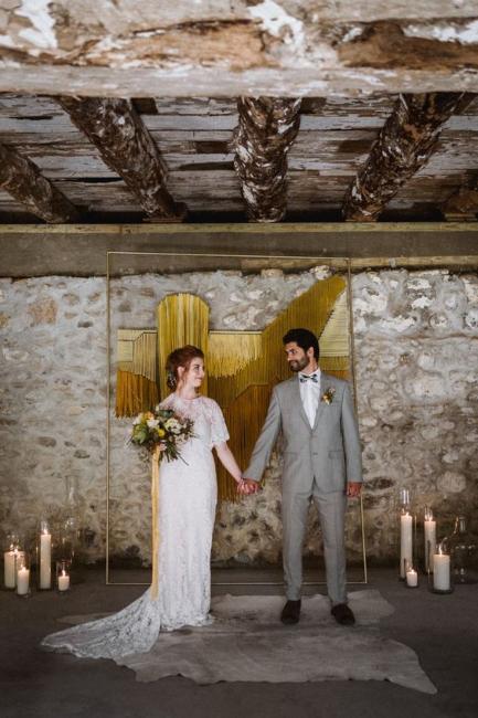 Pozadine i oltari za venčanja u modernom prikazu stila s polovine prošlog veka