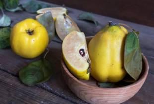 """Sezona dunja: koliko je """"zlatna jabuka"""" korisna za vas?"""